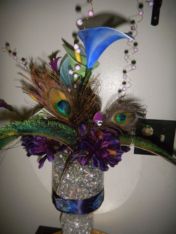 diy wedding centerpieces peacock feathers peacock centerpiece rh pinterest com diy wedding centerpieces with peacock feathers Purple and Teal Peacock Wedding Arrangements