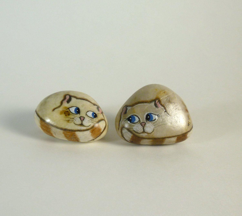 AMIGOS. Miniaturas. Gatos de la roca pintado a mano por qvistdesign