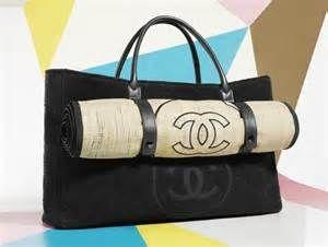 04eefc675 Bolsa de praia Chanel | PRAIA | Esteira de praia, It bag e Chanel