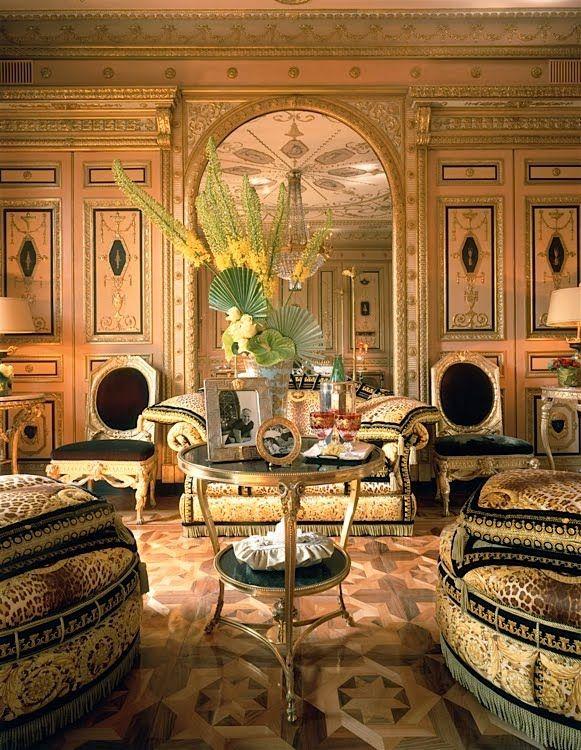 Bittersweet Vogue Donatella Versace S House Versace Home Luxury Living Room Design Beautiful Houses Interior #versace #living #room #rug