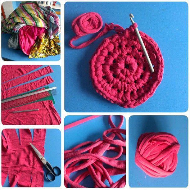t shirtgarn aus t shirts schneiden h keln teppich crochet rug t shirts schneiden shirts. Black Bedroom Furniture Sets. Home Design Ideas