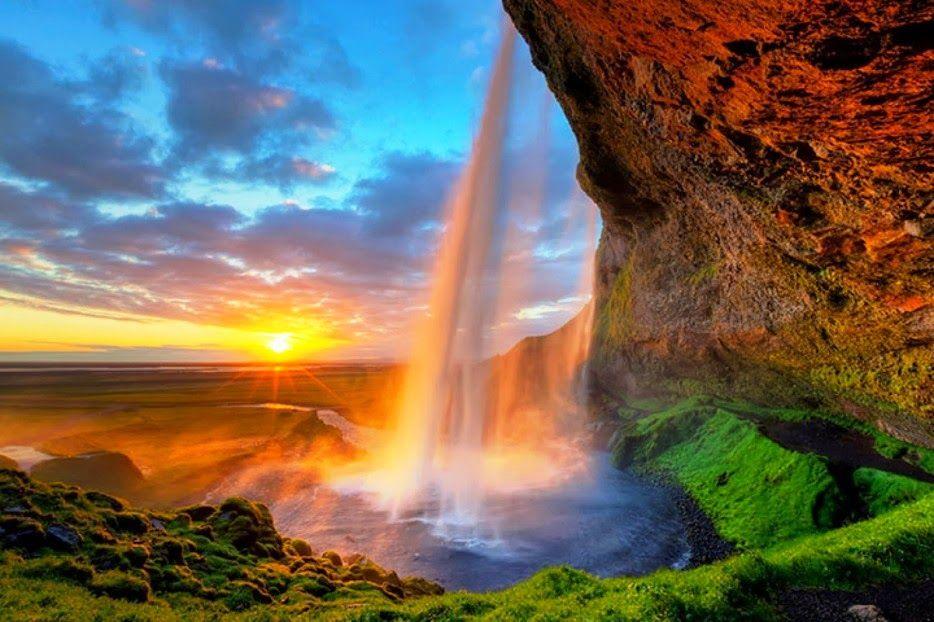Cachoeira Seljalandsfoss, Islândia | Natureza bela, Cachoeira, Cachoeiras  famosas