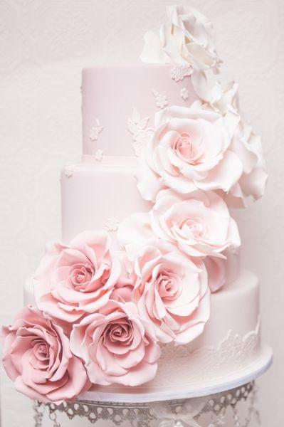 Wedding Style Icon 8 Wedding Ideas Inspired By Anne Hathaway - Pastel Pink Wedding Cake