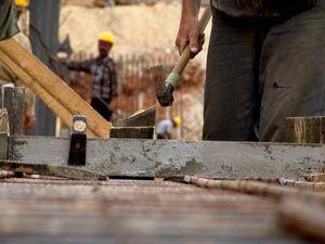 La Unión de Profesionales y Trabajadores Autónomos (UPTA) de UGT ha exigido al Principado que tome medidas para atajar los accidentes laborales de los autónomos en la región, que en 2011 supusieron el 15 por ciento del total.    Así se lo ha trasladado ...