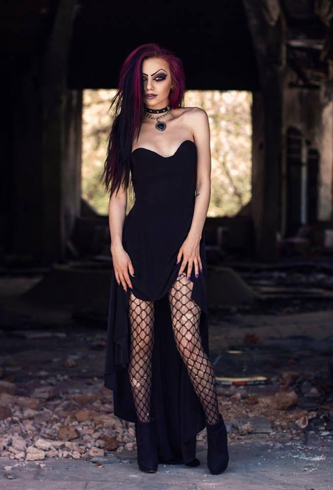 Model: Darya Goncharova Photo: Mario Evgeniev Welcome to Gothic and Amazing |www.gothicandamazing.org