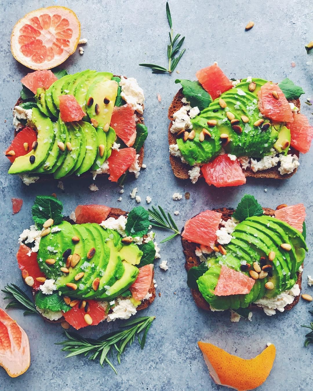 Avocado and DOLE® Grapefruit go hand-in-hand with this delicious appetizer from @leefromamerica. We'll 'toast' to that!
