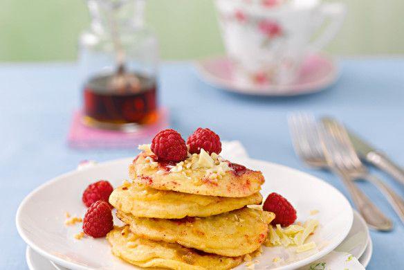 "Mandel-Himbeer-Pancakes. Alpro (Hrsg.): ""Plant Power"" - lecker essen auf pflanzlicher Basis"