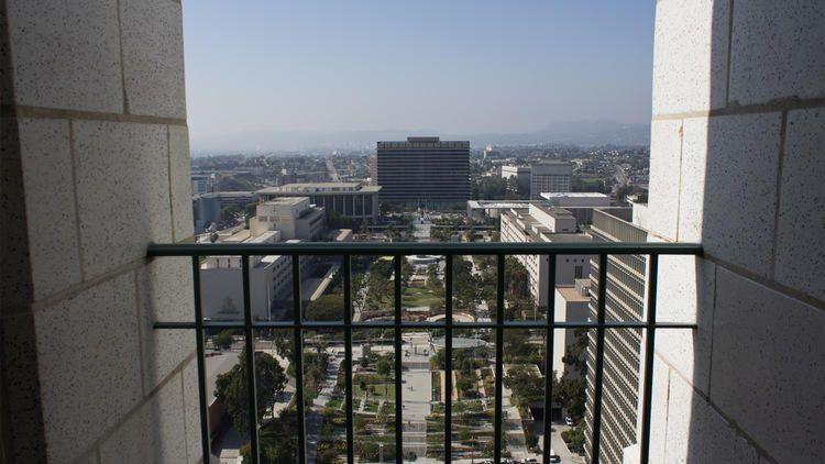 Hour To Kill Los Angeles City Hall Observation Deck Los Angeles City Los Angeles Attractions City Hall