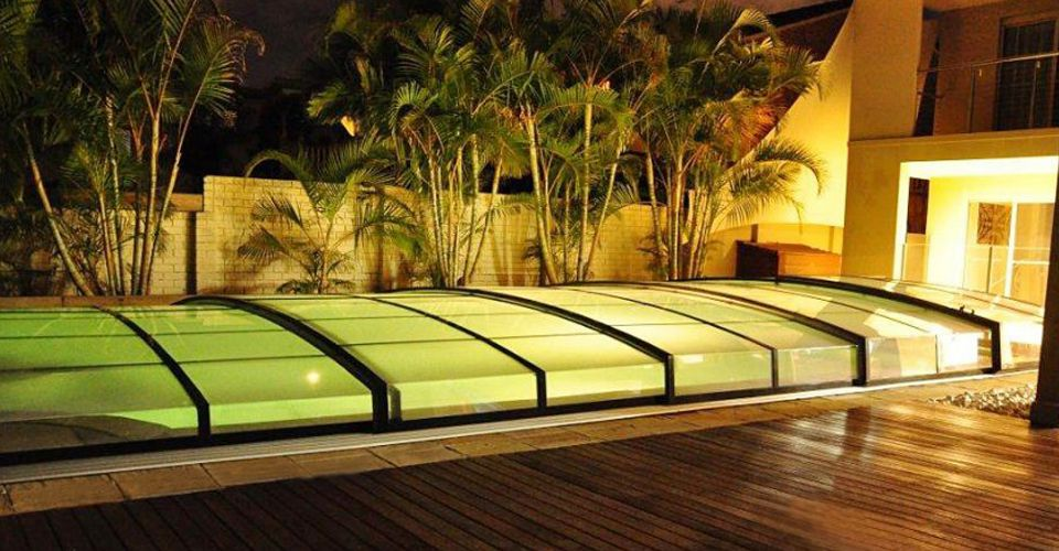 Supplier Of Domestic And Commercial Telescopic Swimming Pool Enclosures Pool Covers To The Uk Market Leisu With Images Swimming Pool Enclosures Pool Cover Swimming Pools