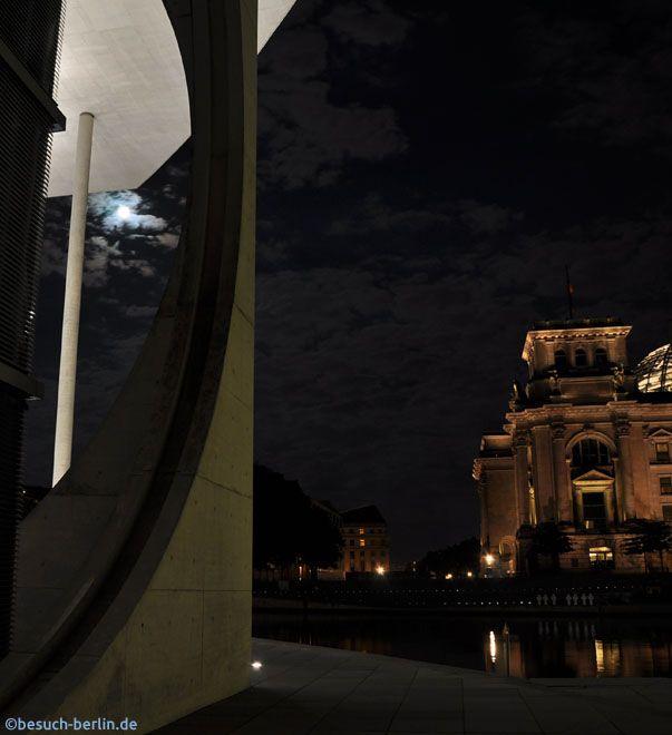 Blick zum Reichstag Berlin vom Marie-Elisabeth-Lüders-Haus.  http://besuch-berlin.de