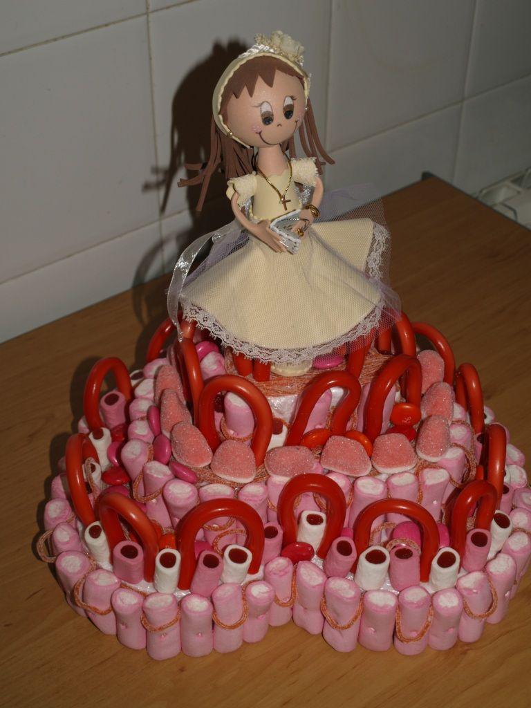 4bf98f858ed Tarta de chuches y fofucha para la princesa que hacía la comunión ...