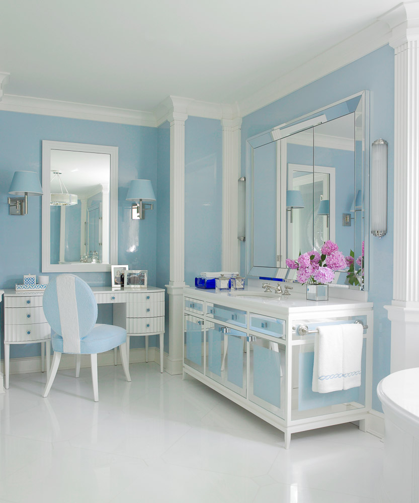 Bathroom Remodeling In Ct: Beautiful Blue And White Palette In This CT Bathroom