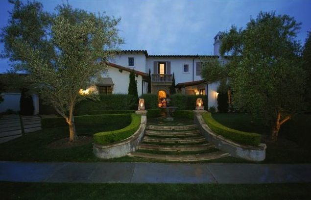 25590 Prado De Azul, Calabasas. Featured in the Hollywood Reporter and listed by Dana Olmes and Jeff Biebuyck.