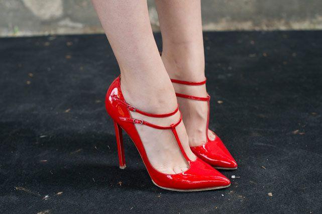 Los tips y ejercicios must para las adictas al stiletto. ¡Manten tus pasos  firmes! Tips Zapatos ed043b71772d
