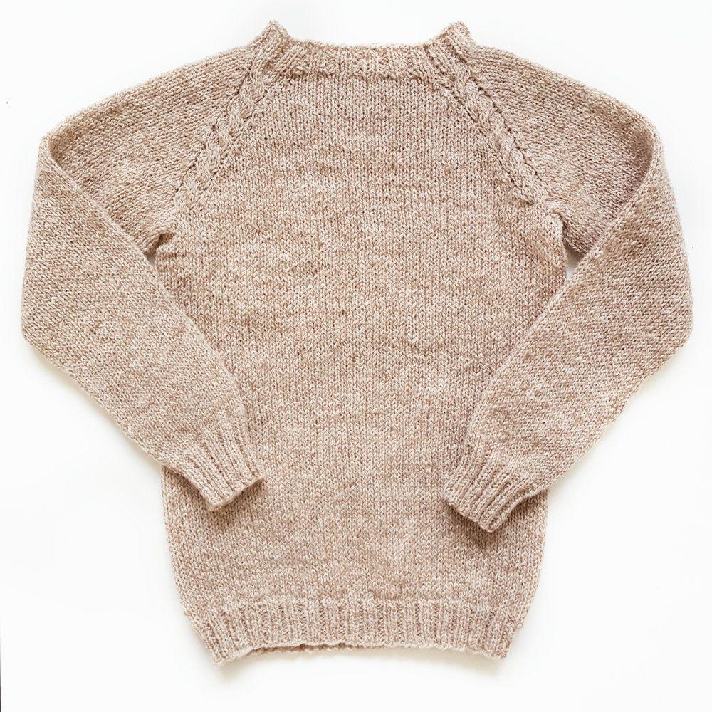 d3098a33 Linneagenser Enkel genser med dekorative fletter i raglanen – like fin til  fest som tur i