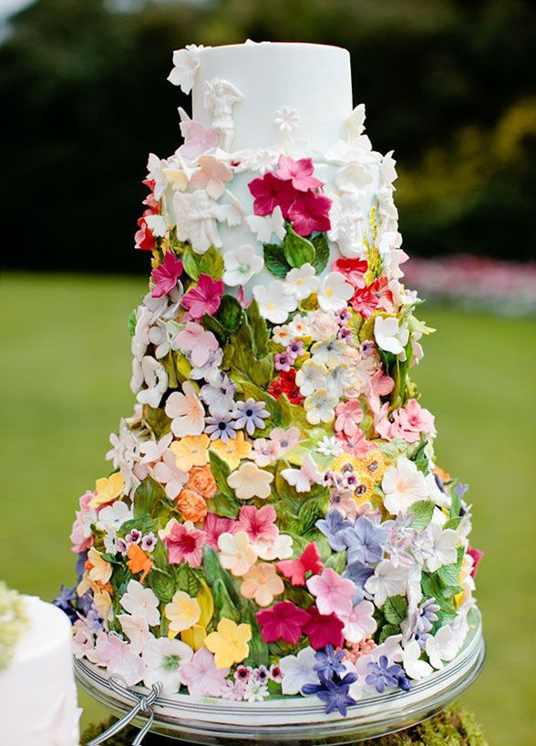 10 Wedding Cakes We Love For Summer