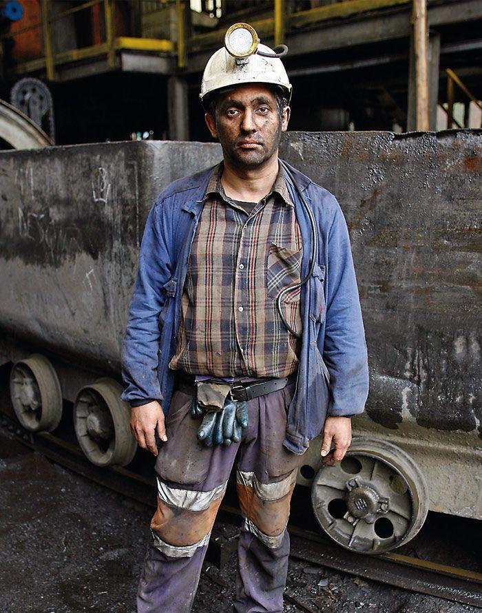 #apctitudes Vicente Vilela  trabaja a diario a 400 metros bajo tierra. Haz clic en la foto para leer su historia.