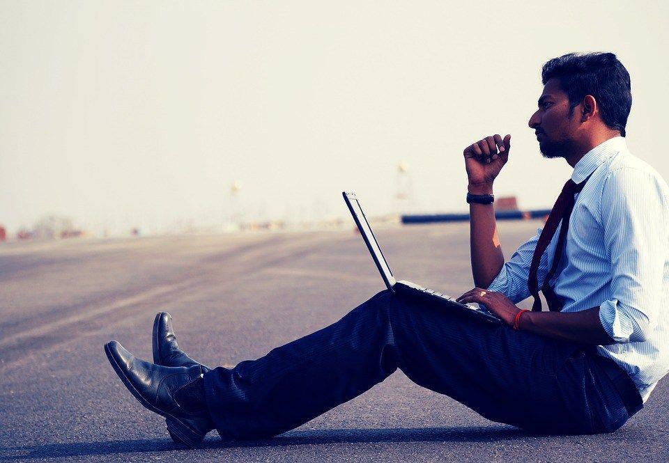 Internet è una fonte inesauribile di conoscenze e curiosità. In questo articolo ne ribadisco l'importanza e la crescente centralità nelle nostre vite