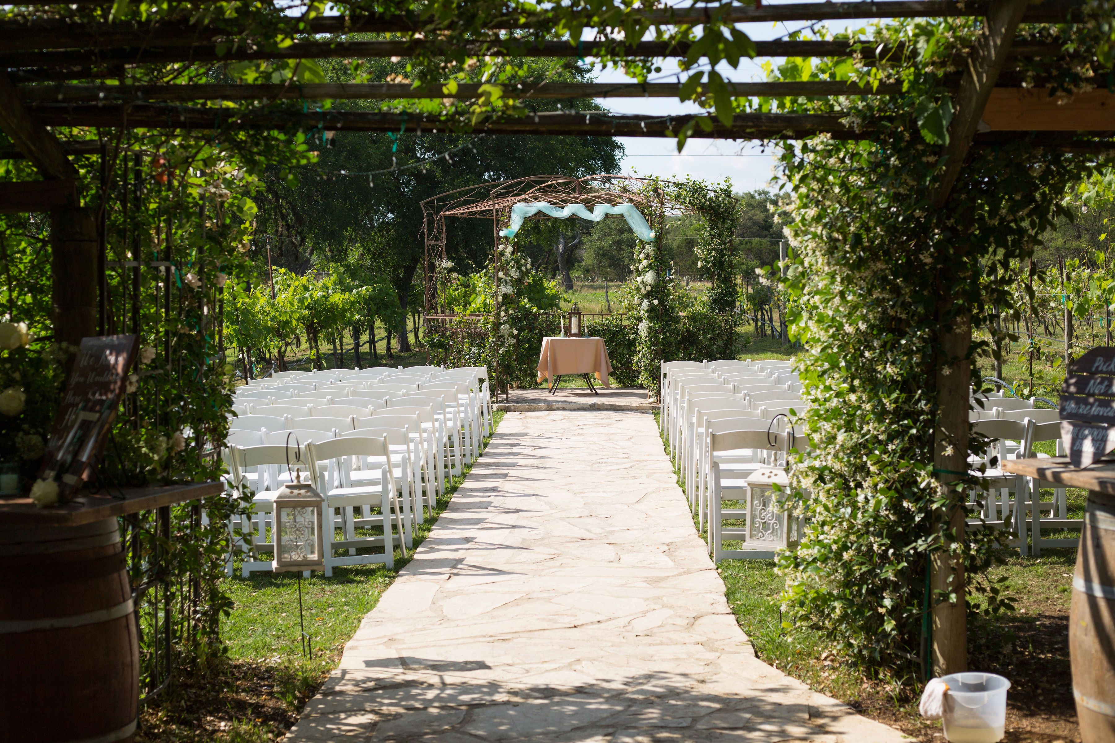 Rustic Woodsy Elegance At Oak Valley Vineyards Real Wedding Alyssa Dolan Julia Corinne Photo Dream Wedding Venues Woodsy Real Weddings