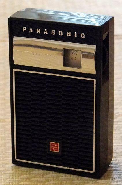 Vintage Panasonic Transistor Radio Model R 1076 Am Band 7 Transistors Made In Japan Circa 1965 Transistor Radio Vintage Vintage Radio Antique Radio
