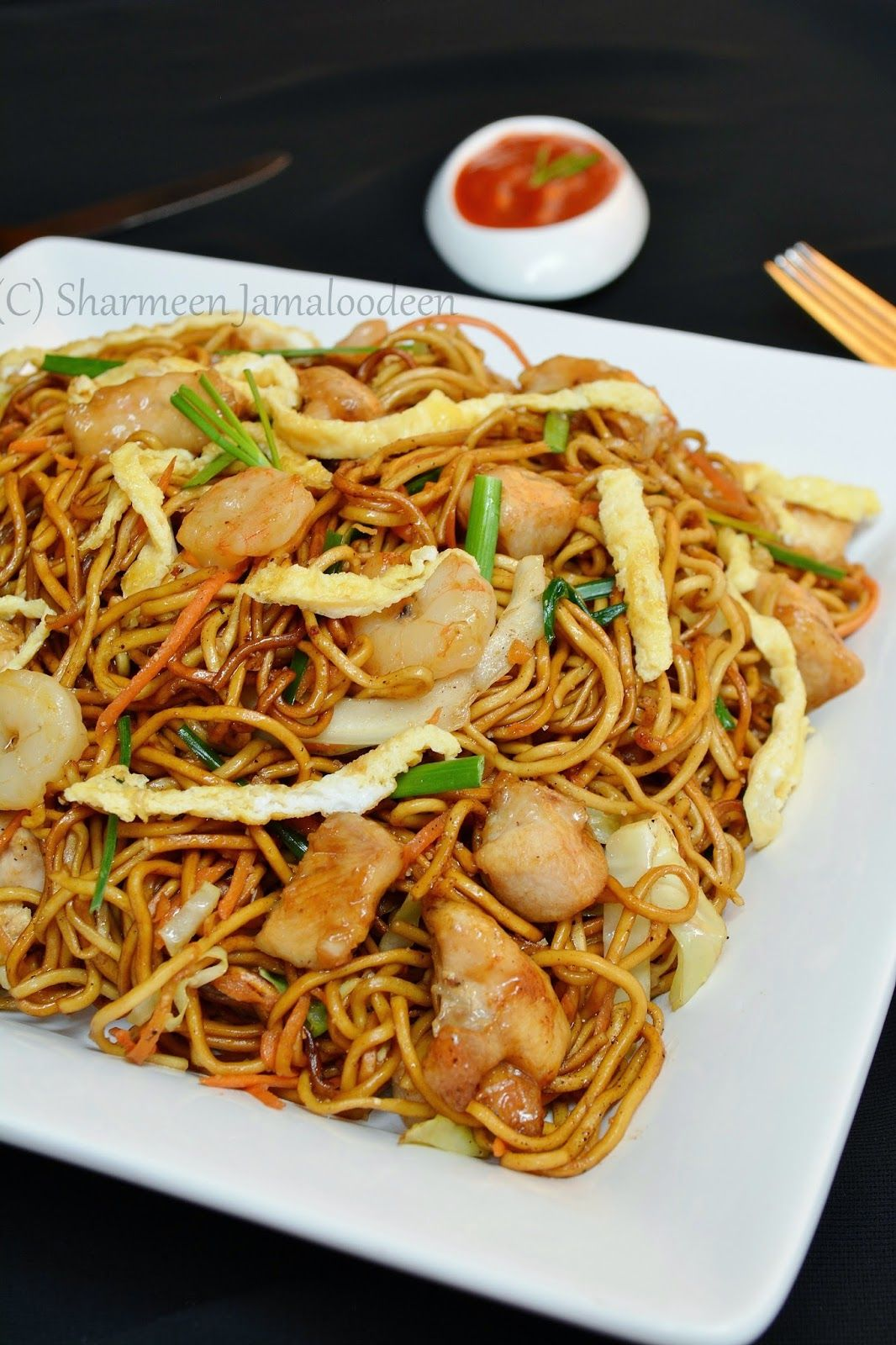Mauritian fried noodles mine frite special who has ever been to mauritius and never tried this - Cuisine mauricienne chinoise ...