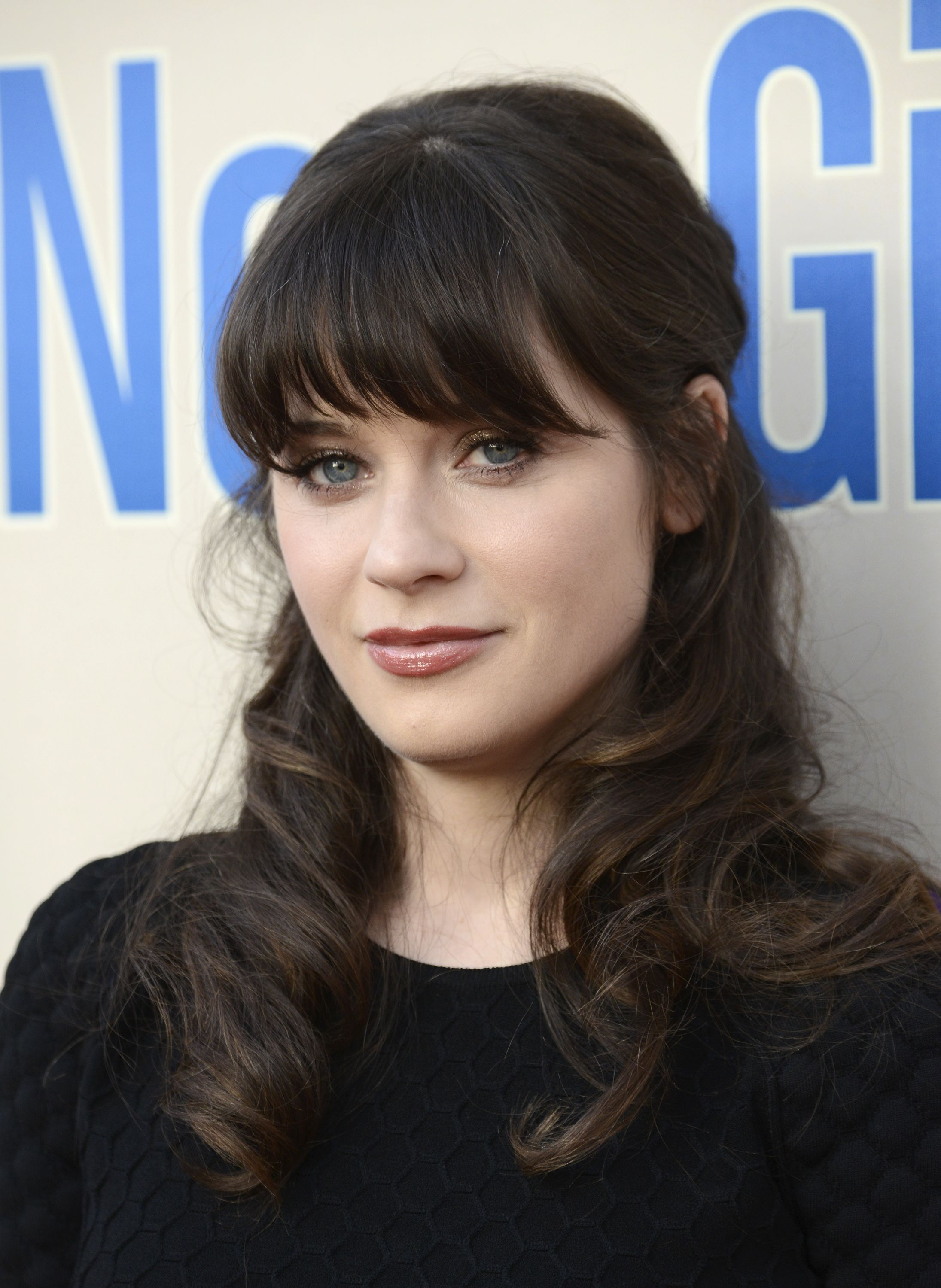Pin By Miriam Barreto On Hair Summer 2015 Zooey Deschanel Hair Hair Styles Hairstyles With Bangs