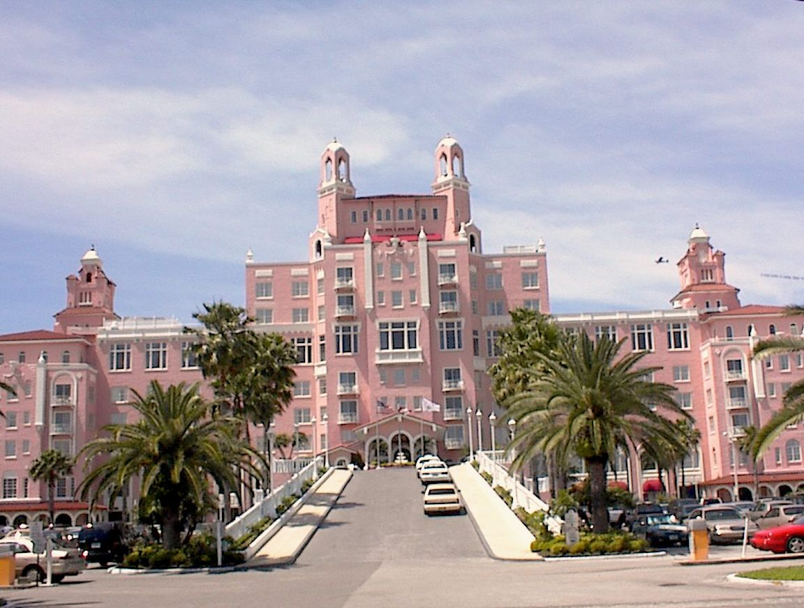 the famous pink hotel the don cesar hotel in st. Black Bedroom Furniture Sets. Home Design Ideas