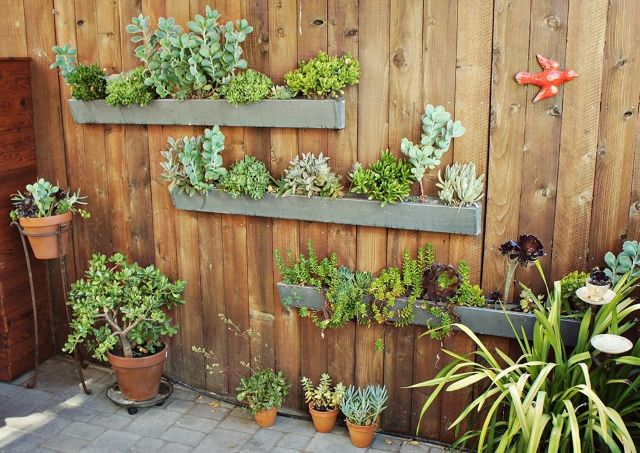 If You Have A Small Garden And Believe You Have No Room To Grow More Plants Then Take Another Look And Vertical Garden Diy Vertical Herb Garden Vertical Garden