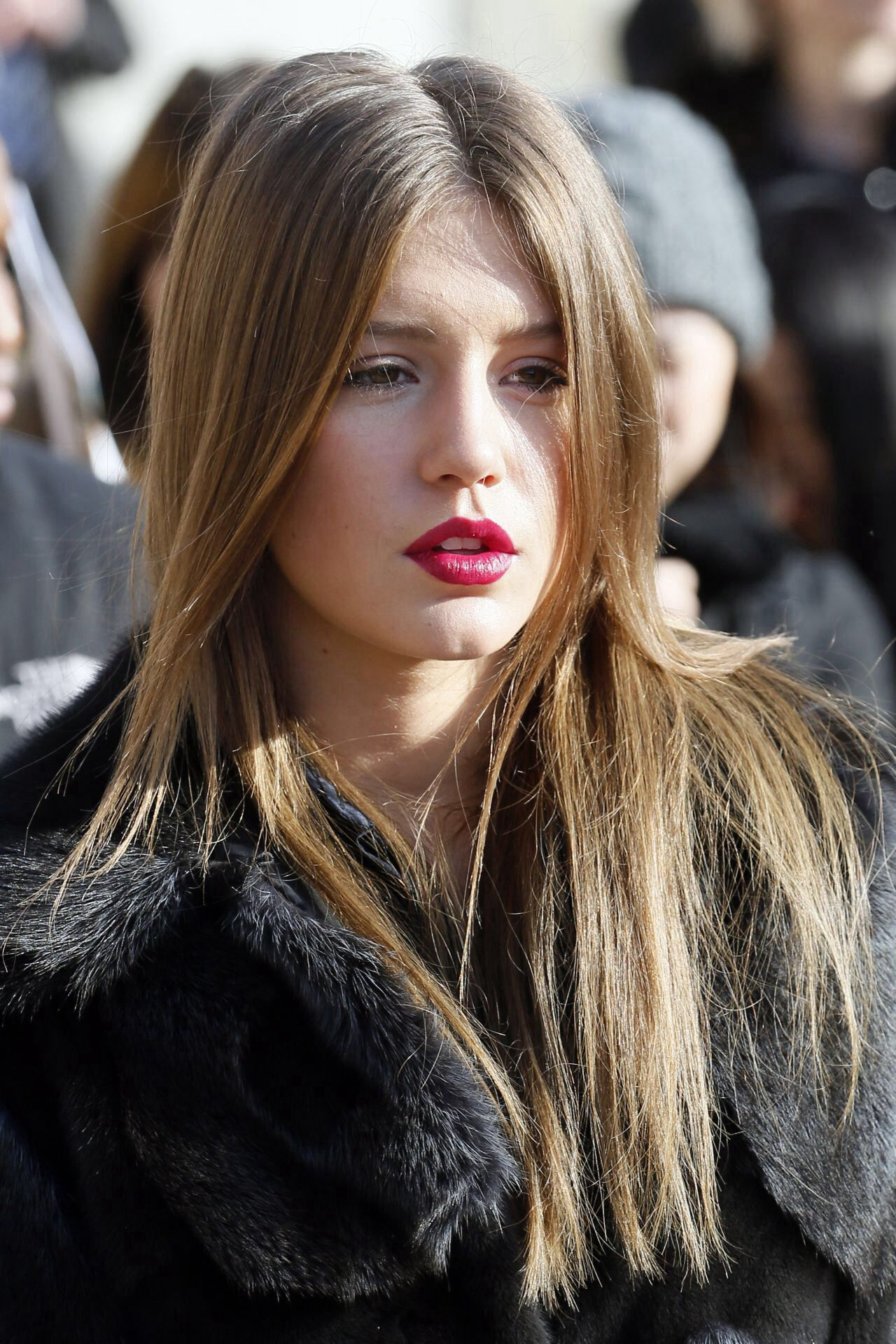 Dark Red Lips Discreed Eyes And Staright Hair Adele
