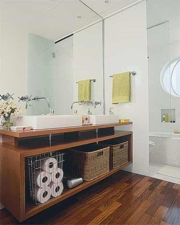 Piso imita madeira no banheiro 007 banheiro branco e - Muebles para pisos pequenos ...