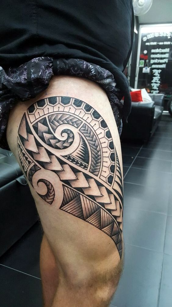 40 cool polynesian tattoo designs for men polynesian for Polynesian thigh tattoo