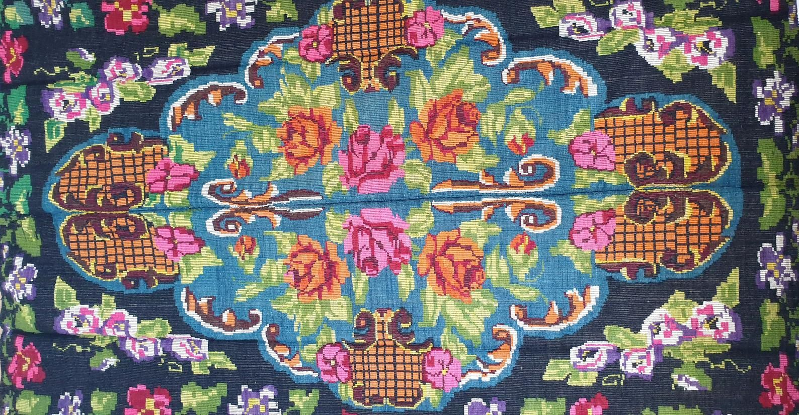Etsy Tapis Beautiful Floral Kilim On Blue Background Tapis Floral Etsy