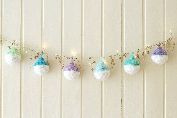 Featured Free Pattern: Crochet Christmas Ornaments by Wink