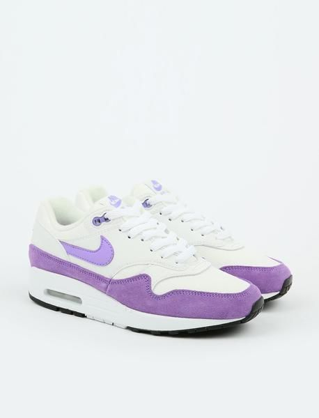 new concept f464e e7564 Nike Air Max 1 - Summit White Atomic Violet-Black