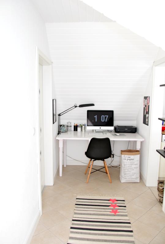 arbeitszimmer unter der schr ge arbeitsplatz pinterest arbeitszimmer arbeitsplatz und buero. Black Bedroom Furniture Sets. Home Design Ideas