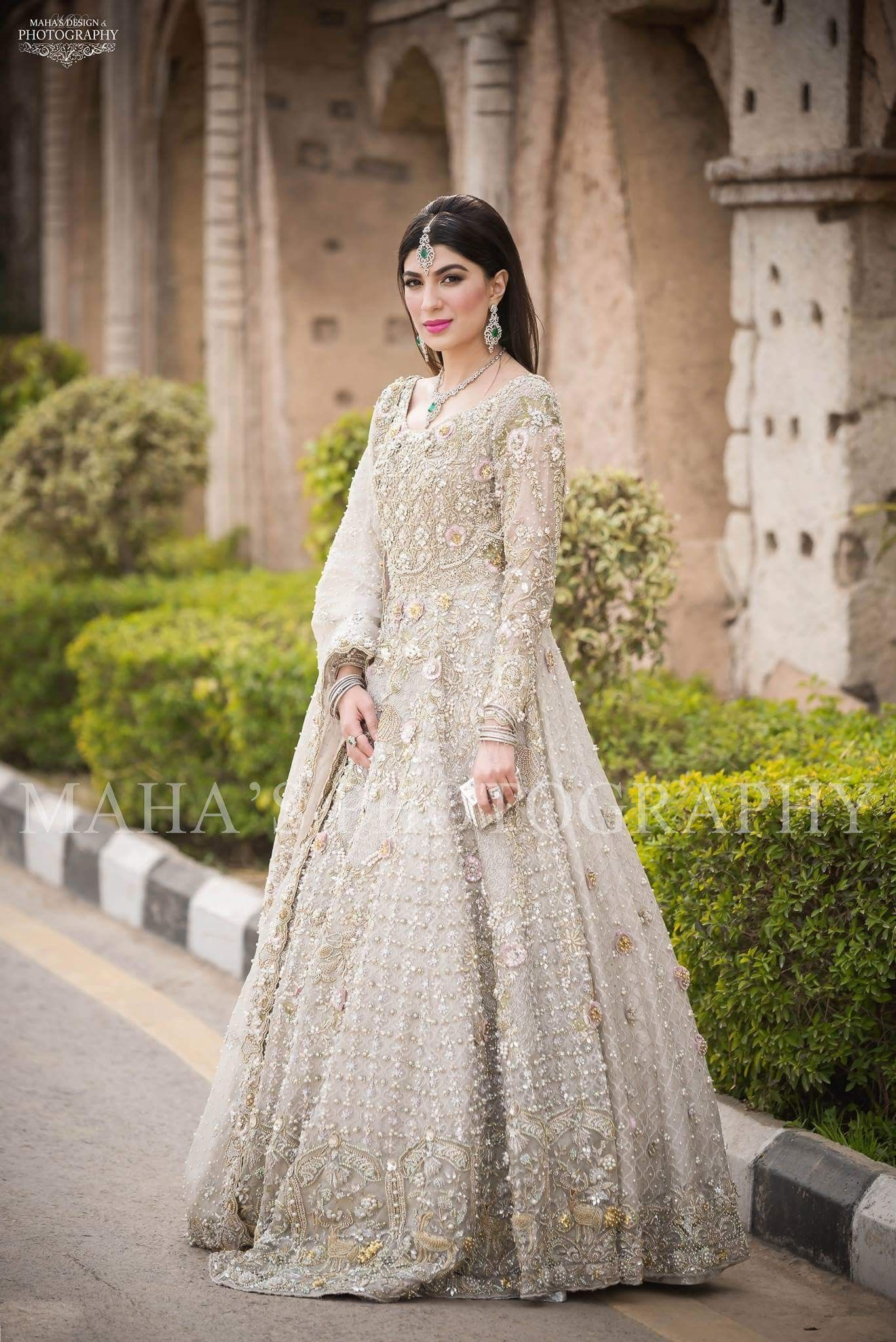 9dd16f7eb6 Heavy beaded white Pakistani gown | 2018 style in 2019 | Pakistani ...
