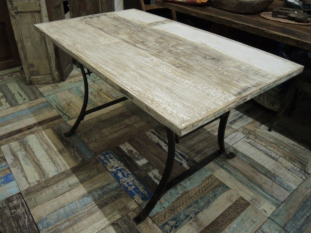 Immagini Tavolo ~ Tavolo con assi di legno colorate shabby e base in ferro tavoli