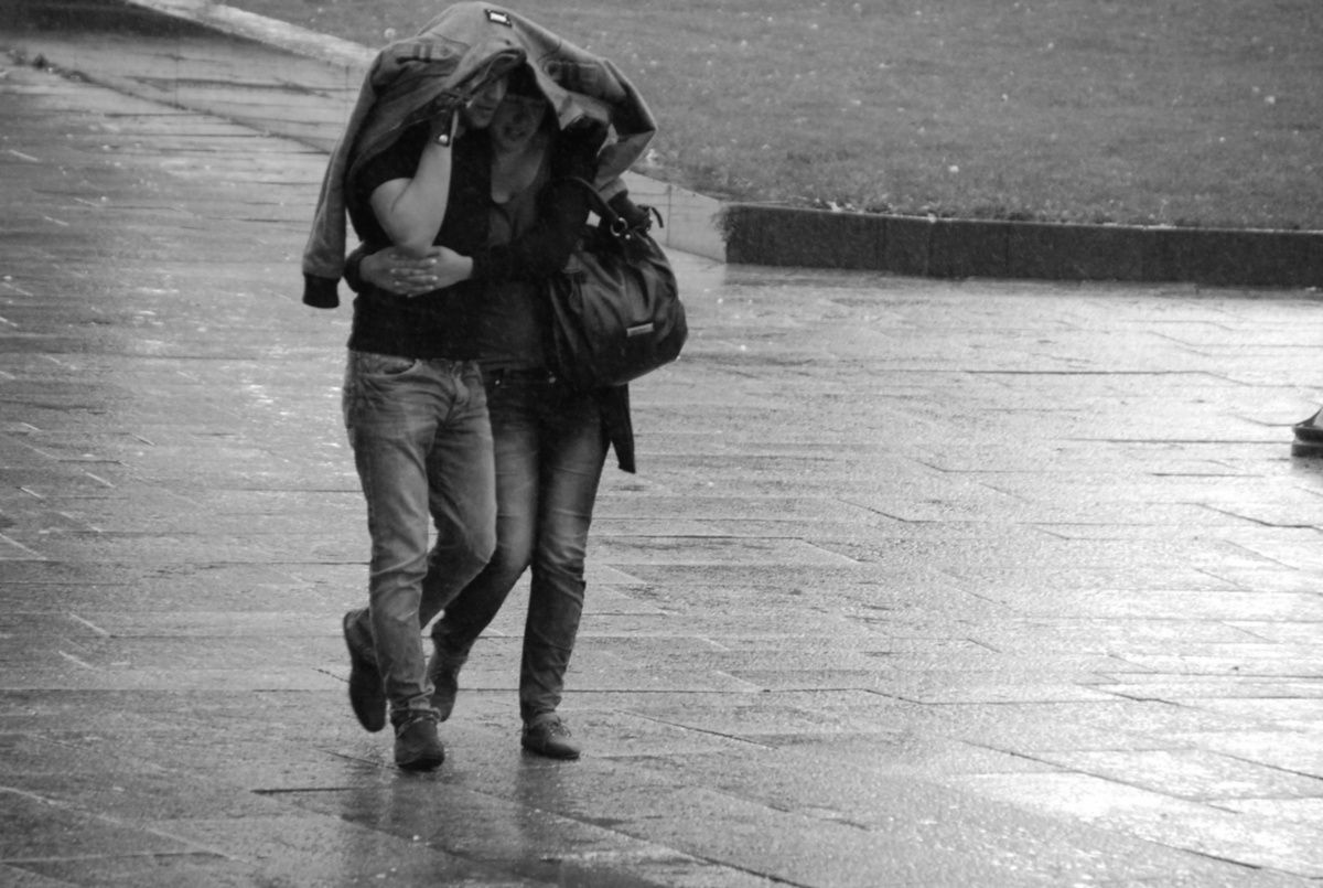 Images Of Lovers In Rain: Black And White Photography