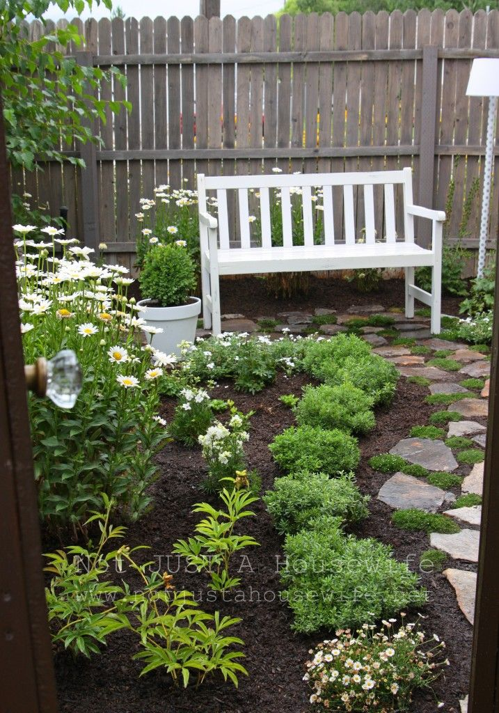 This blogger created her own Secret Garden and filled it with so many awesome (very doable) elements...the pictures are worth 1000 words. Love it!!!