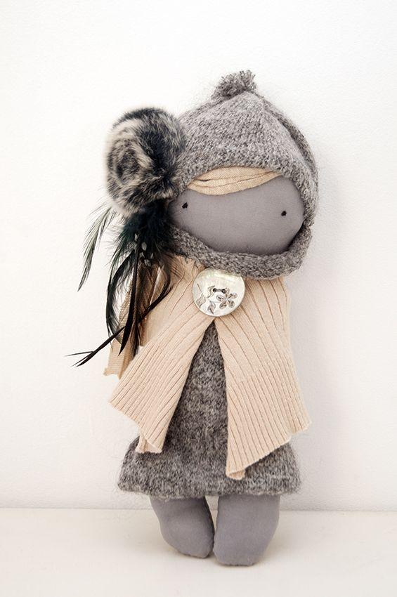 "Winter Doll ""Cold Honey"""