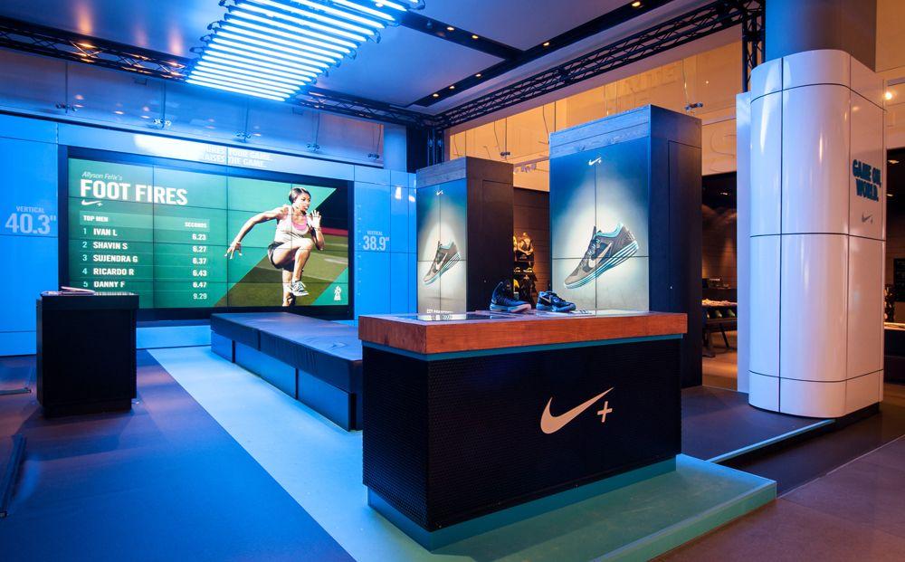 NIKE Retail Display LUNARGLIDE+ & HYPERDUNK+ Niketown