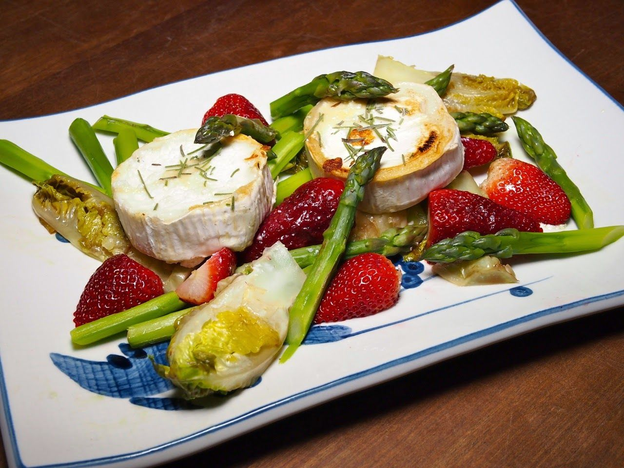 Blond Kitchen: Keväinen vuohenjuustosalaatti