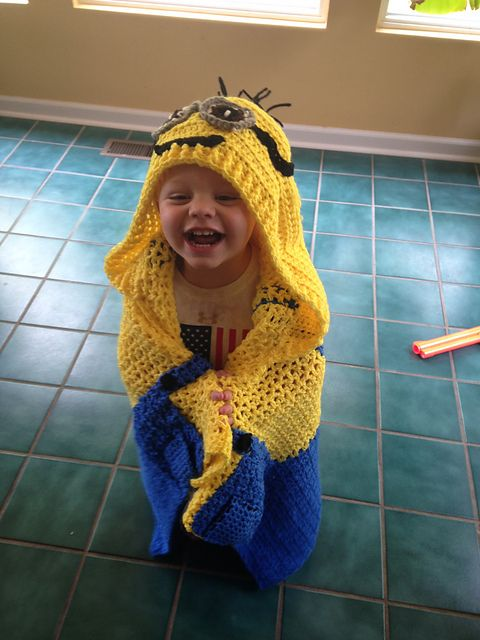 Minion Blanket - Hoodie - Toddlers - 5 Yr Olds...Crochet; Red Heart ...