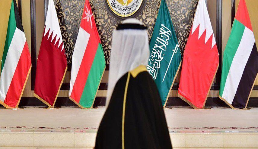 تحرك كويتي جديد لحل الخلاف الخليجي ولم الشمل الخليج العربي الإمارات البحرين السعودية الكويت Academic Dress Fashion Dresses