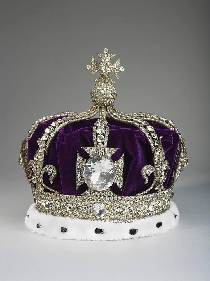 queen elizabeths kronjuwelen bilder gro britannien. Black Bedroom Furniture Sets. Home Design Ideas