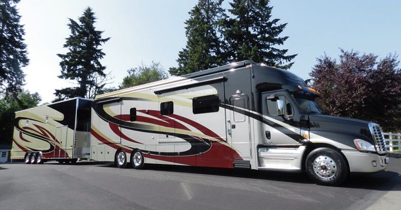 Motorhome Matching Trailer With Images Rv Truck Campers World