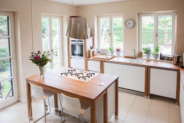 bloc kitchen tabac painted white landhausk che cottage. Black Bedroom Furniture Sets. Home Design Ideas