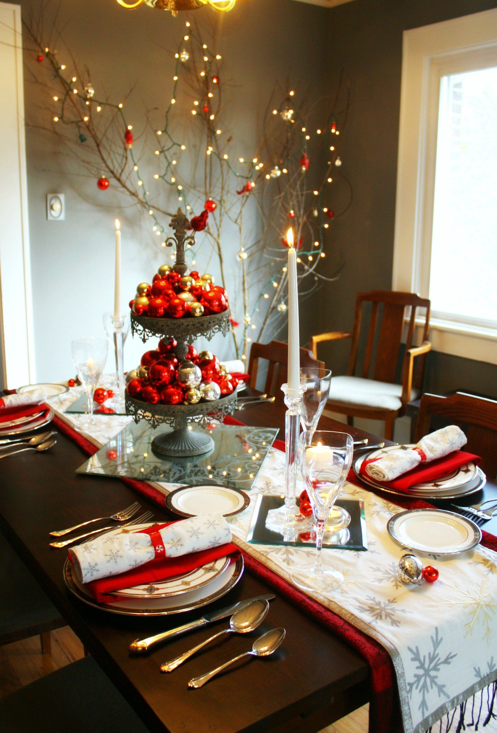 christmas decorations simple ideas of elegant christmas table decorations with gray color metal display pallete and red gold silver colors ball ornaments - Red And Silver Christmas Table Decorations