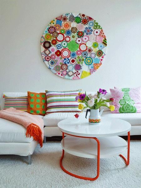 Cómo decorar paredes con crochet (y no morir en el intento)