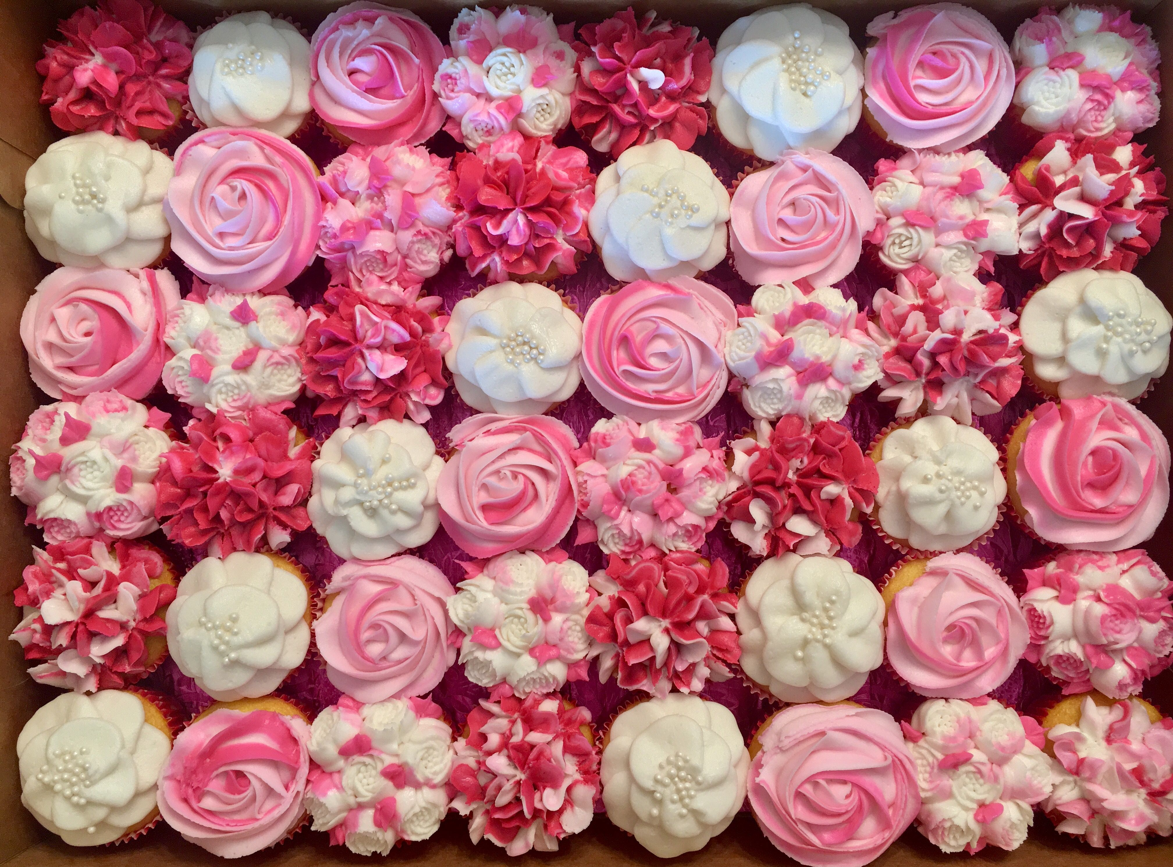 Pink Flower Cupcakes Cakes By Me Pinterest Flower Cupcakes And